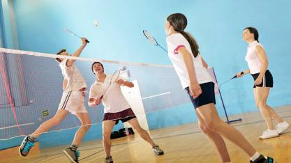 adults_badminton