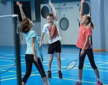 kids_badminton